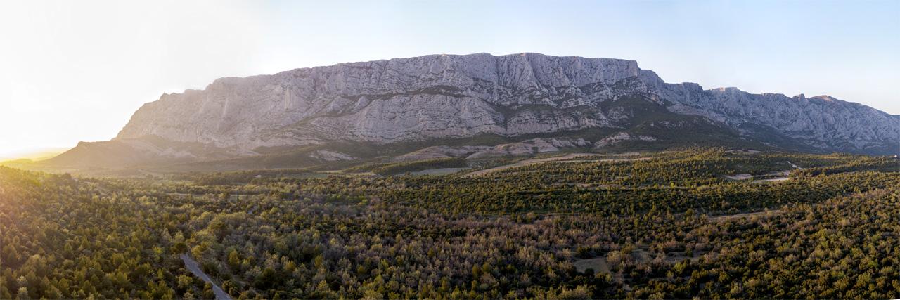 Giga-Pano aérien Montagne Sainte-Victoire 45mm © Drone-Pictures 24-images-1280pix