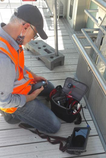Télépilote Drone-Pictures, preparado para um drone ao vivo para o SNCF em Aix-en-Provence