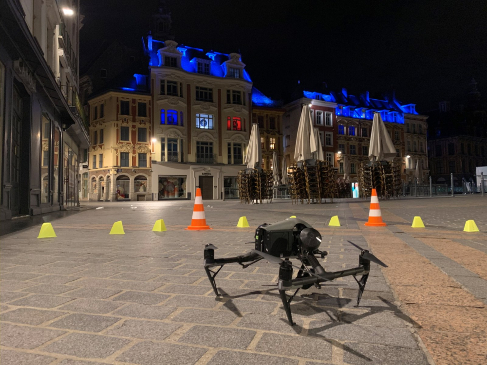 Drone Inspire 2 paré au décollage à Lille centre-ville Nuit - copie