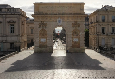 Photo aérienne de l'Arc de Triomphe de Montpellier, Hérault, France