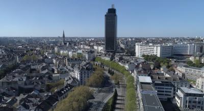 Tour Bretagne de Nantes en Avril 2020 pendant le confinement Covid-19