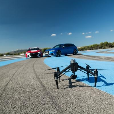 Le drone DJI Inspire 2 pour des poursuites de voitures spectaculaires